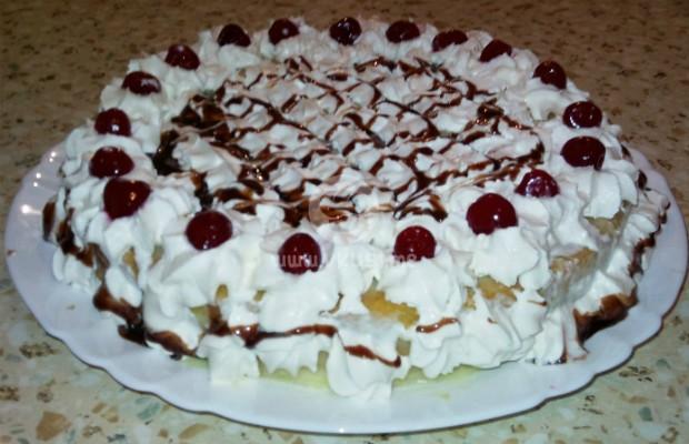 Сметанова торта с десертни череши