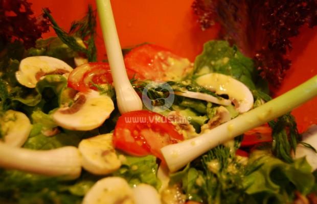 Зелена салата с чесън ''Константин''