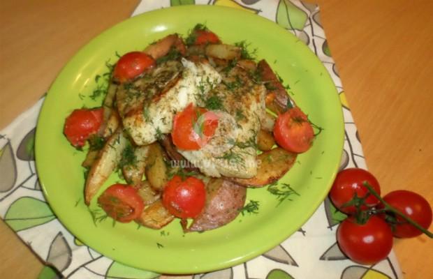 Филе от треска с чери домати и печени розови картофи