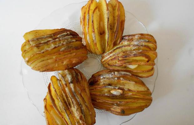 Печени картофи с чеснов аромат