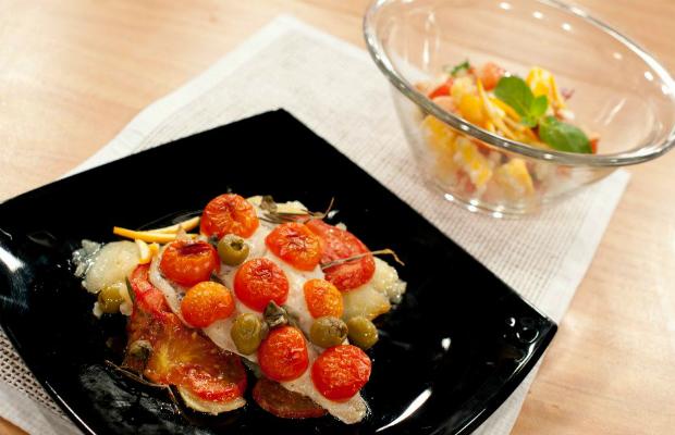 Ципура на фурна със салата с кус-кус, портокал и грейпфрут