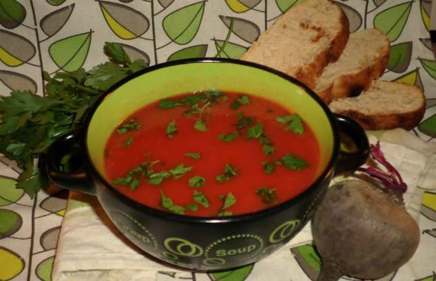 Зеленчукова крем супа с червено цвекло