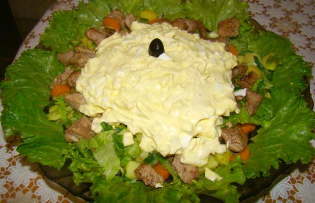 Селска салата с месо
