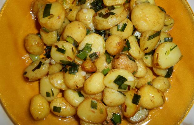 Картофки соте с пресен чесън