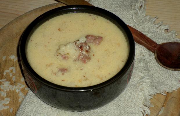 Сирийска супа от кисело мляко и телешка кайма