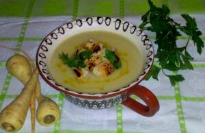 Крем супа от пащърнак и целина