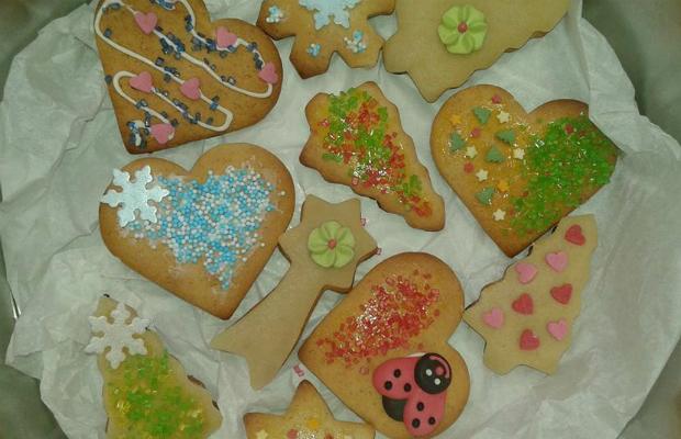 Коледни джинджифилово-канелени сладки
