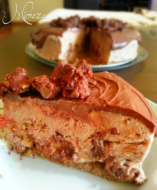 Sladoledena torta s chokolad i miusli crunch-1