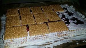 torta-medovik-s-biskviti-1