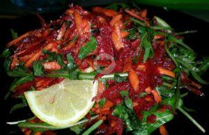svezha-salata-s-rukola-i-tsveklo-2