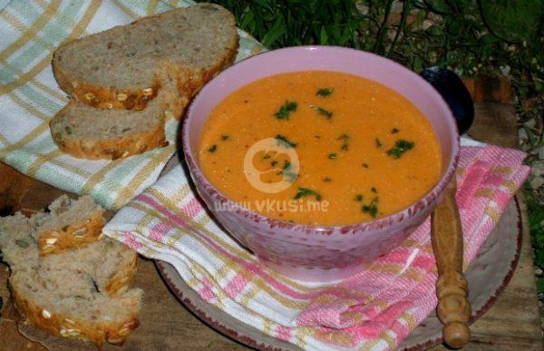 Крем супа от тиквички и пресни картофи