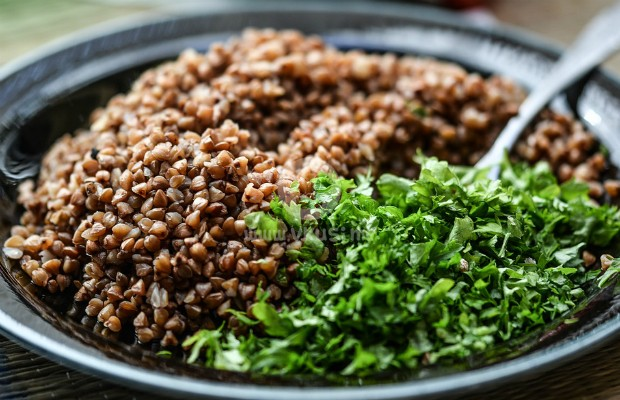 Елда, овесени ядки и кафяв ориз за дълголетие и самочувствие
