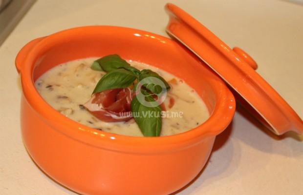 Гъста гъбена супа с прясно мляко