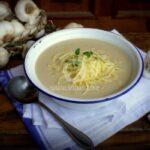 Чеснова крем супа с бяло вино и кашкавал
