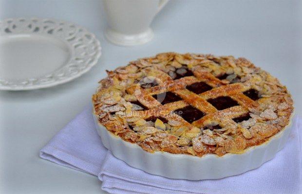 """Торта """"Линцер"""" с брашно от лимец и малини"""