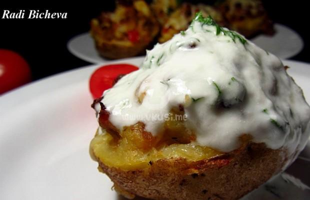 Пълнени картофи с кайма и гъби