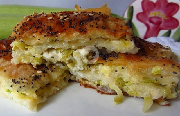 Бюрек с тиквички, моцарела и фета сирене