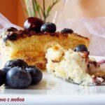 Бърза торта с бишкоти и боровинки