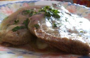 Пуешко месо с ароматен гъбен сос
