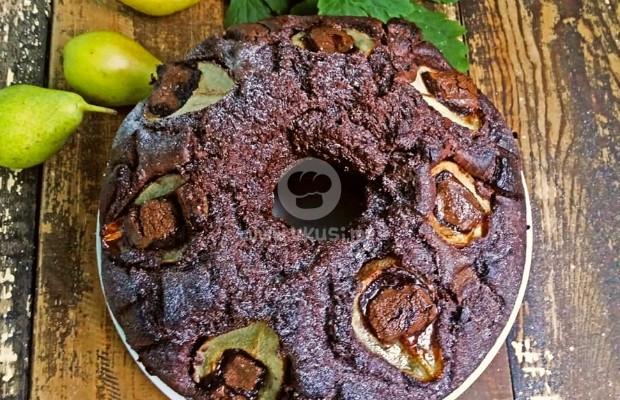 Шоколадов кекс с круши