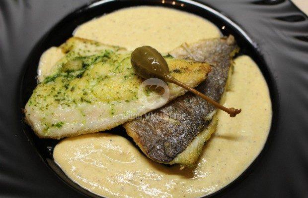 Филе от ципура с магданозено песто и горчичен сос