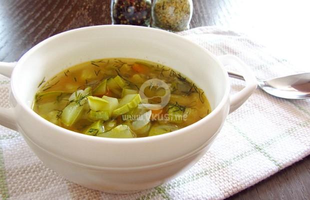 Супа от тиквички с ориз