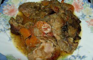 Свинско със зеленчуци, печено в плик