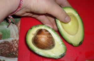 zelena-salata-s-krusha-avokado-i-nar-4
