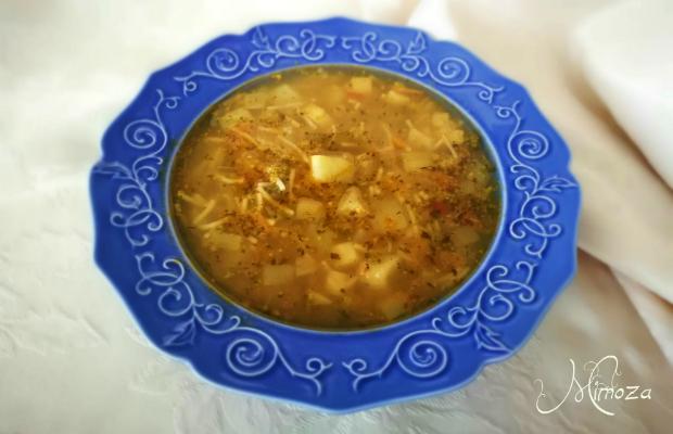 Градинарска зеленчукова супа