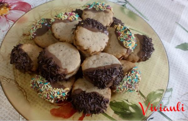 Маслени сладки с орехи и шоколад