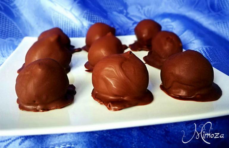 Пълнени сушени смокини в шоколад