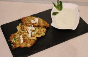 Лесни палачинки от тиквички с млечен сос