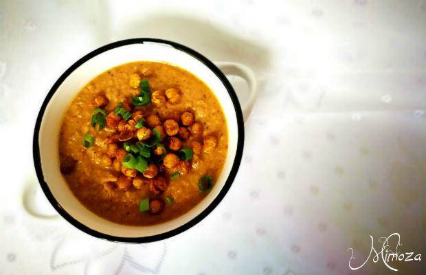 Пикантна супа с печен карфиол