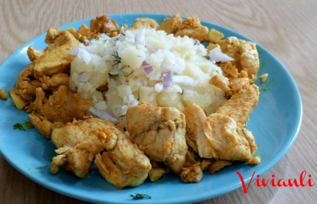 Пилешки хапки с картофена салата