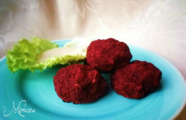 Нахутени кюфтенца с червено цвекло и тахини сос