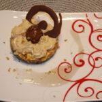 Орехови пастички със сладкарски крем с кестени
