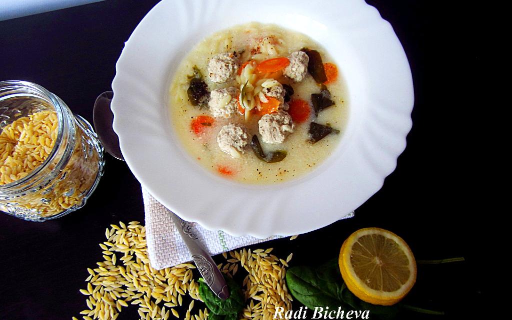 Гръцка сватбена супа топчета