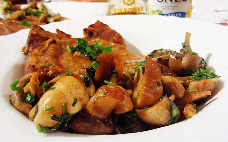Медно-таханови гъби със соев сос