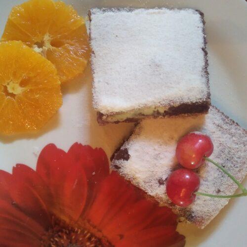 Десерт с череши, какао и орехи