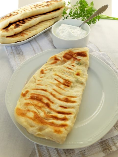 Афганистански пълнен хляб (Bolani)