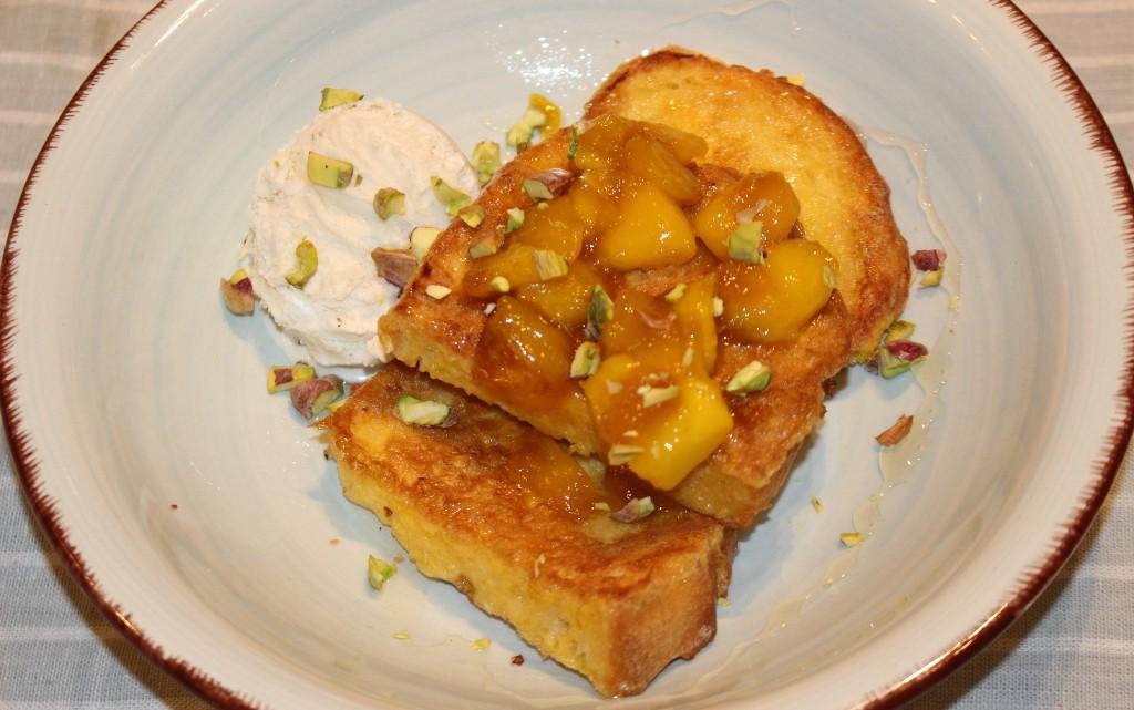 Френски тост с манго