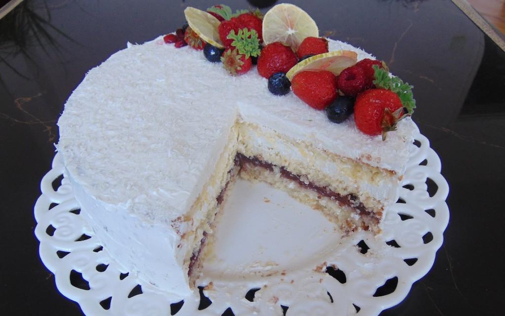 "Торта ""Кокосово вълшаебство"""