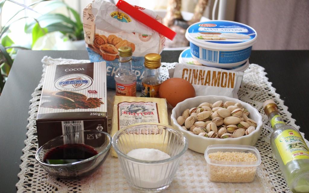 Каноли с крем от маскарпоне, шам фъстък и бадемово масло
