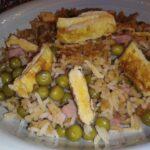 Ориз басмати с грах, шунка и омлети