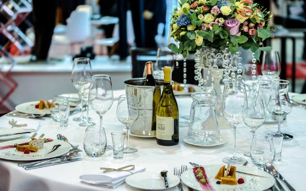 Подредбата на маса в ресторант: какво е важно?
