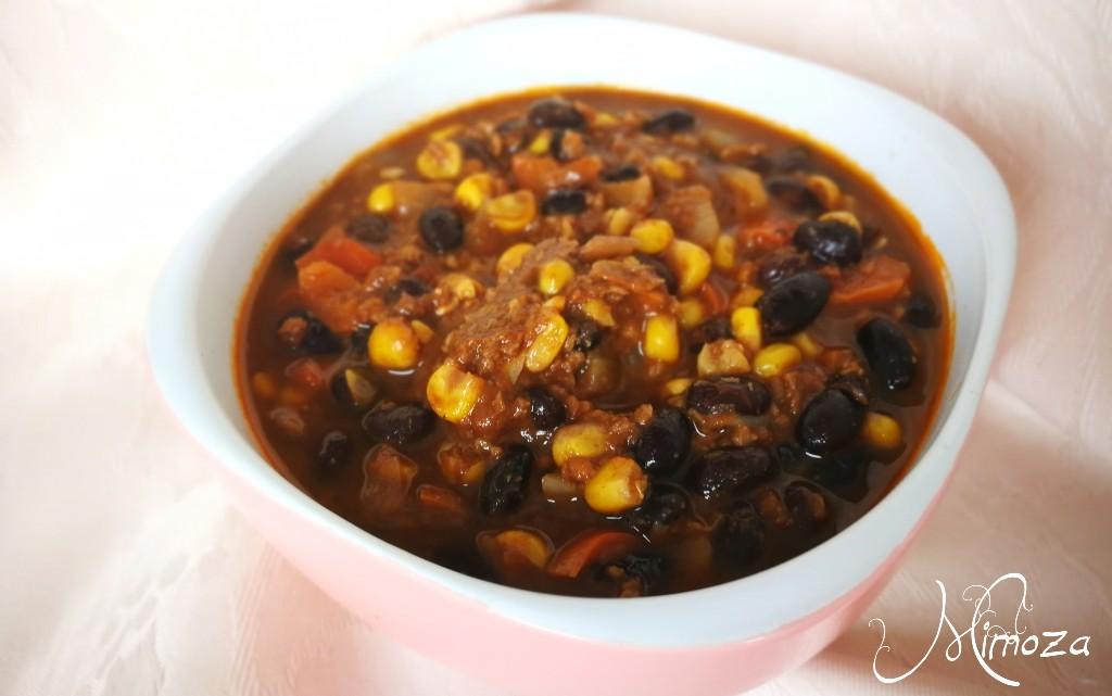 Чили кон соево карне