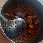 Яхния от грах и свинско месо