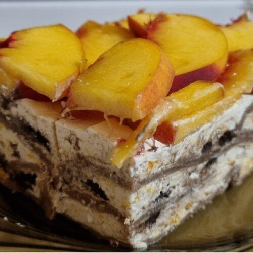 Палачинкова торта с маскарпоне и праскови