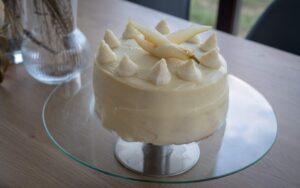 Торта от пандишпанови блатове и крем с маскарпоне и шоколад